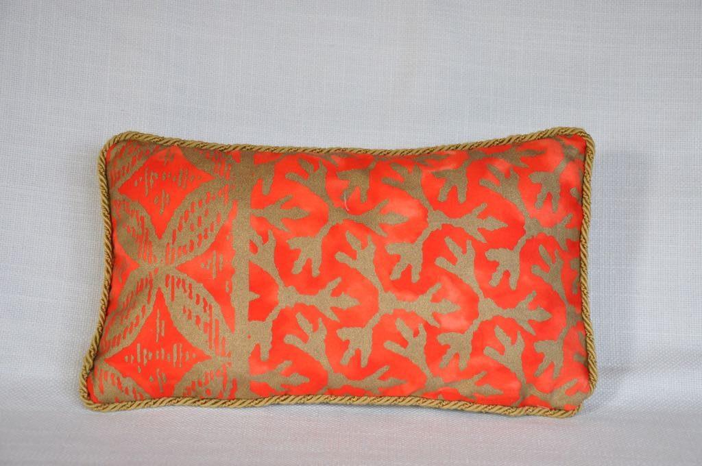 Cojín nº 47 Tejido veneciano y terciopelo con cordón Medidas 28x16cm