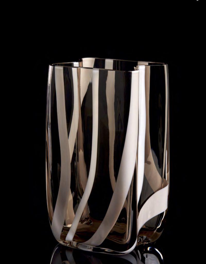 I PICCOLI—TACH Edición Numerada1/333 Altura: 210 mm Diámetro:120 mm Posibilidad tres tamaños CRISTAL MURANO Diseño: Carlo Moretti