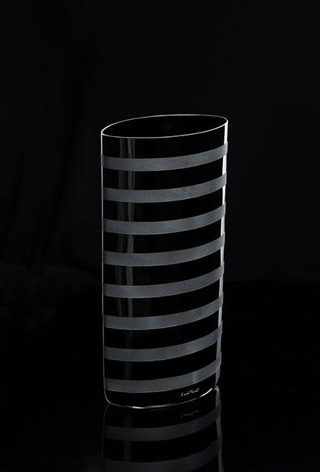 STRISE VASO-NERO. 239.N E Altura:340 mm Diámetro: 180 mm CRISTAL MURANO Diseño Carlo Moretti